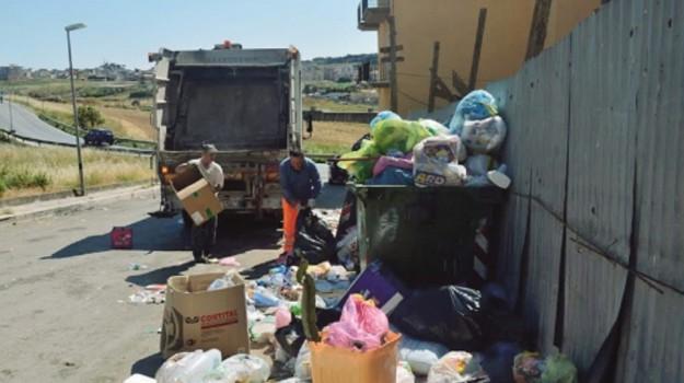rifiuti canicattì, Agrigento, Economia