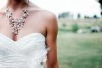 Lasciata sull'altare dal futuro marito, sposa porta tutti al ricevimento: la storia