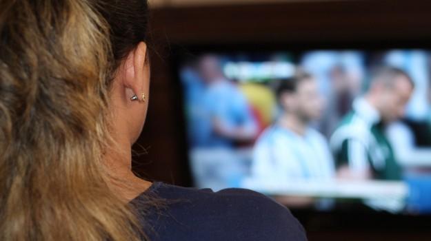commedia, televisione, Sicilia, Società