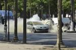 Attacco sugli Champs-Elysees, terrorista segnalato dal 2013: fermati 4 familiari