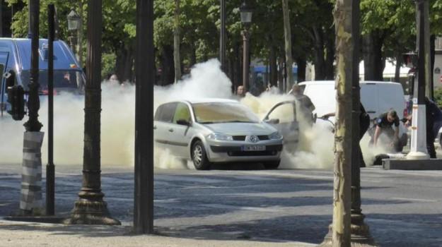 attentato champs-elysees, attentato parigi, Sicilia, Mondo