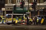 Furgone sulla folla, pedoni accoltellati Incubo a Londra a 4 giorni dal voto 6 morti, 50 feriti: uccisi i 3 terroristi