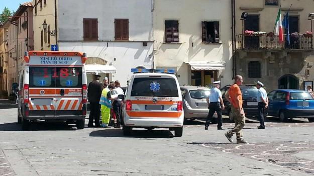 bimba morta in auto, Sicilia, Cronaca