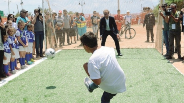 campo da calcio, integrazione, Lampedusa, Agrigento, Cronaca