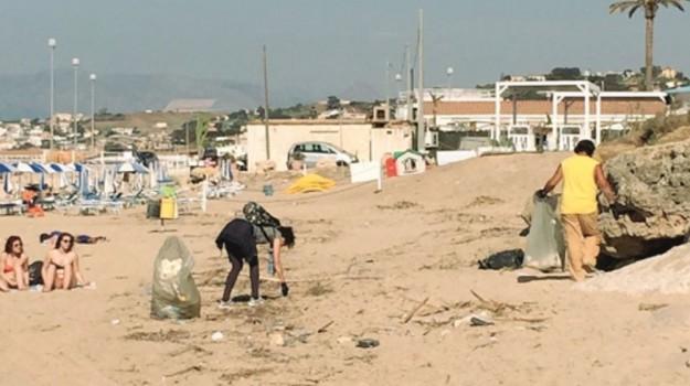 castellammare, pulizia, spiaggia, Trapani, Cronaca