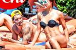 """Stefano De Martino paparazzato a Capri: """"Ma sono single"""""""