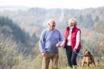 Il cane regala due mila passi in più al giorno agli anziani