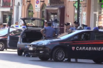 Allarme per pacco in auto: il proprietario guardava video su Isis