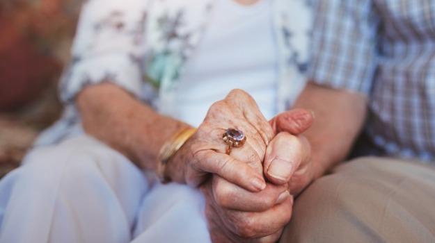 anziani, reddito di cittadinanza, Catania, Cronaca