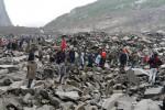 Tragedia in Cina, frana travolge 40 case: 140 persone sepolte vive
