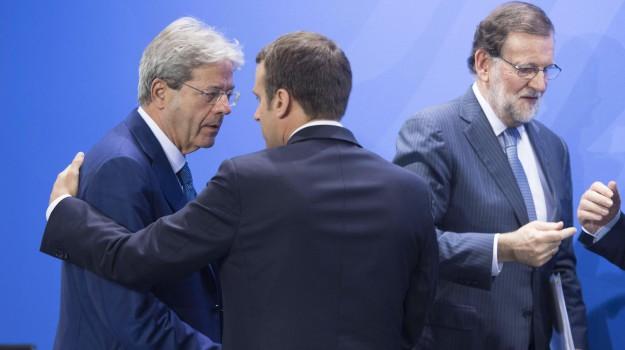 migranti, sbarchi, vertice preparatorio del G20, Angela Merkel, Emmanuel Macron, Jean Claude Juncker, Paolo Gentiloni, Sicilia, Mondo