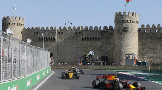 auto, formula uno, Gran Premio dell'Azerbaigian, Lewis Hamilton, Sebastian Vettel, Sicilia, Sport