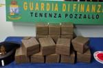 Pozzallo, verso Malta con 15 chili di hashish in valigia: arrestato