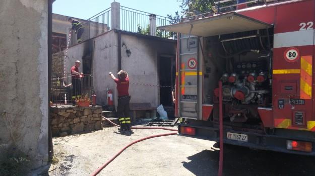 alia, incendio, Palermo, Palermo, Cronaca