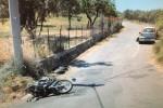 Sant'Agata di Militello, scontro frontale tra moto e auto: grave 19enne
