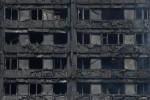 Incendio di Londra, le autorità: difficile trovare altri superstiti. Poche speranze per i due italiani