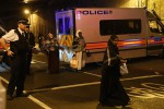 Londra, furgone su pedoni fuori dalla moschea: 1 morto e 8 feriti. Il killer: voglio uccidere gli islamici