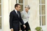 """Brexit, Macron alla May: """"La porta dell'Europa resta aperta"""""""