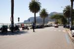 Controlli dei carabinieri a Mondello: sanzioni contro venditori abusivi