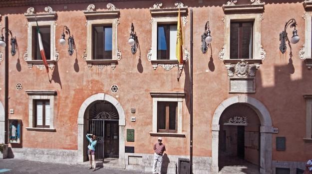 comune taormina, dimissioni vicesindaco, taormina, vicesindaco taormina, Messina, Politica