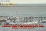 Viaggi dalla Tunisia a Marsala, a bordo dei barconi anche contrabbando di sigarette: le immagini