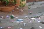 Palermo, piazza degli Scalzi tra i rifiuti - Foto