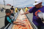 In California pizza lunga due chilometri per battere il record di Napoli