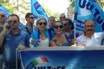 Ksm, in centinaia in piazza contro gli oltre 500 licenziamenti
