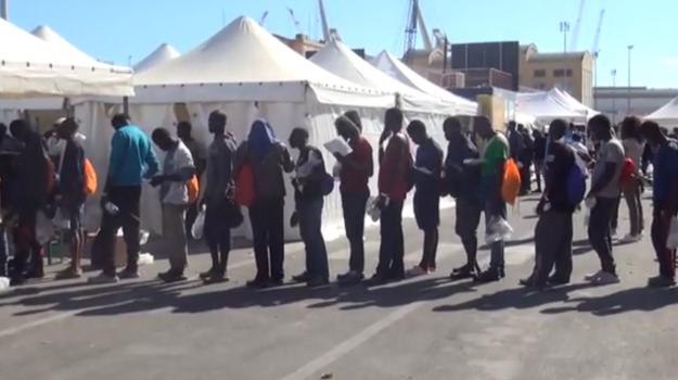 migranti, sbarco palermo, Palermo, Cronaca