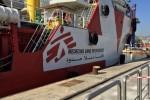 Sbarco a Palermo, sono 724 i migranti arrivati al porto - Video