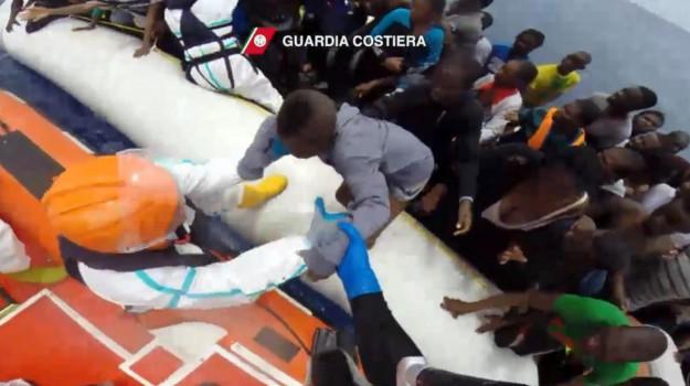 migranti taormina, Messina, Cronaca