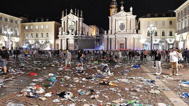 folla, panico, piazza, Torino, Sicilia, Cronaca
