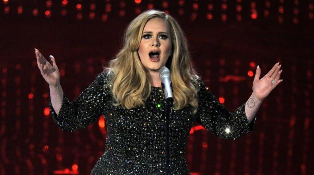 corde vocali, tour, Adele, Sicilia, Società
