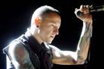 Si è impiccato Chester Bennington, il cantante dei Linkin Park