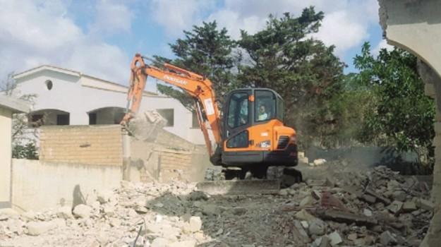 demolizioni licata, Agrigento, Economia