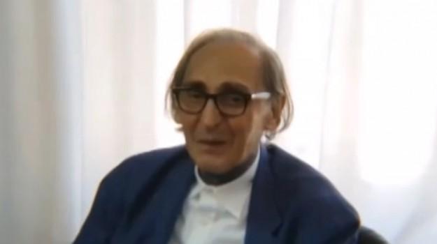 Franco Battiato, Catania, Società
