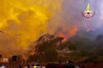 Nuova giornata di roghi a Messina, le foto
