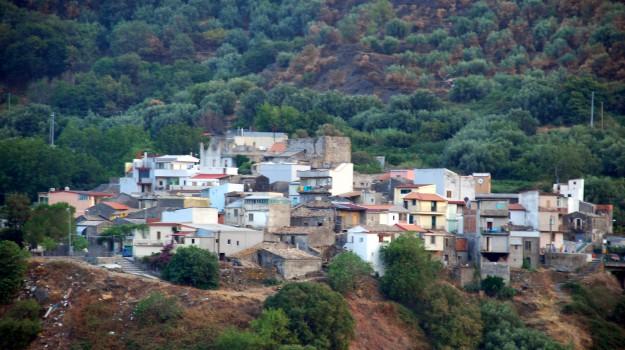 festa di matrimonio, paese del messinese, Messina, Società