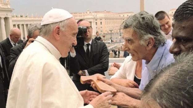 crocifisso vittoria, Papa Francesco, Ragusa, Cronaca