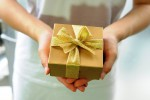 Nuova ricerca dimostra perchè essere generosi rende felici