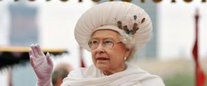 Brexit, la regina Elisabetta autorizza la sospensione del Parlamento