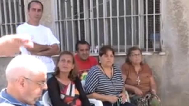 don minutella rimosso, protesta fedeli romagnolo, Alessandro Minutella, Palermo, Cronaca