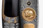 Nasce il telefonino con i volti di Trump e Putin, costa oltre 2 mila euro: gli smartphone super lusso