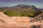 Calatafimi Segesta Festival, a Ferragosto Vincenzo Pirrotta racconta Antigone