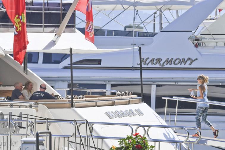 Vacanze In Yacht Tiffany Trump Fa Tappa A Capri Le Foto