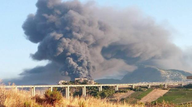 Incendio di Alcamo, Trapani, Cronaca