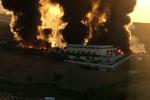 """Incendio ad Alcamo, fiamme per tutta la notte. Il sindaco: """"Non uscite di casa"""" - Foto"""