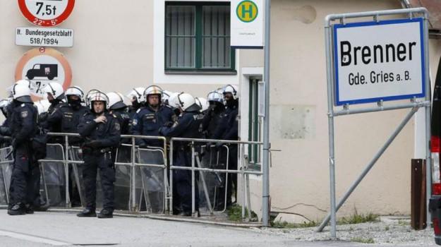 Austria, confine brennero, migranti, Sicilia, Mondo