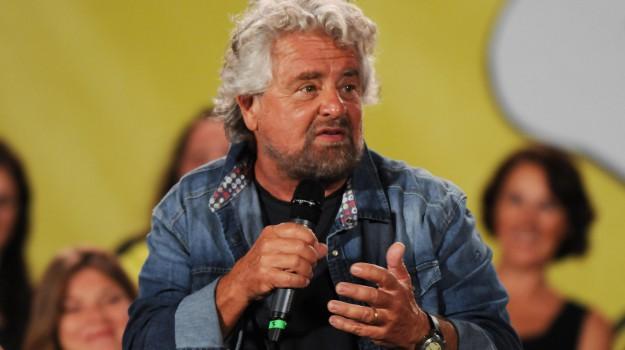 decennale V-Day M5s, Beppe Grillo, Sicilia, Politica