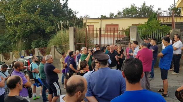 hotel migranti sinagra, protesta sindaci nebrodi, Messina, Cronaca